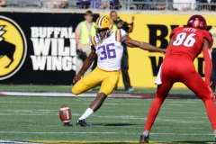 NCAA Football Buffalo Wild Wings Citrus Bowl - LSU 29 vs. Louisville 9 - Gallery 1 - Photo (114)