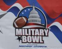 NCAA Football-Military Bowl Parade (1)
