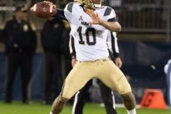 20191101-NCAA-Football-UConn-10-vs-Navy-56-48