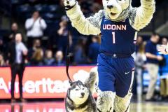 UConn vs USF-4