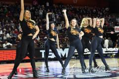NCAA Women's Basketball AAC Tournament Semifinals - #1 UConn 81 vs. #5 USF 45 (64)