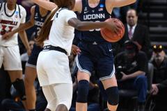 NCAA Women's Basketball Albany Regional Finals - #1 Louisville 73 vs. #2 UConn 80 (54)