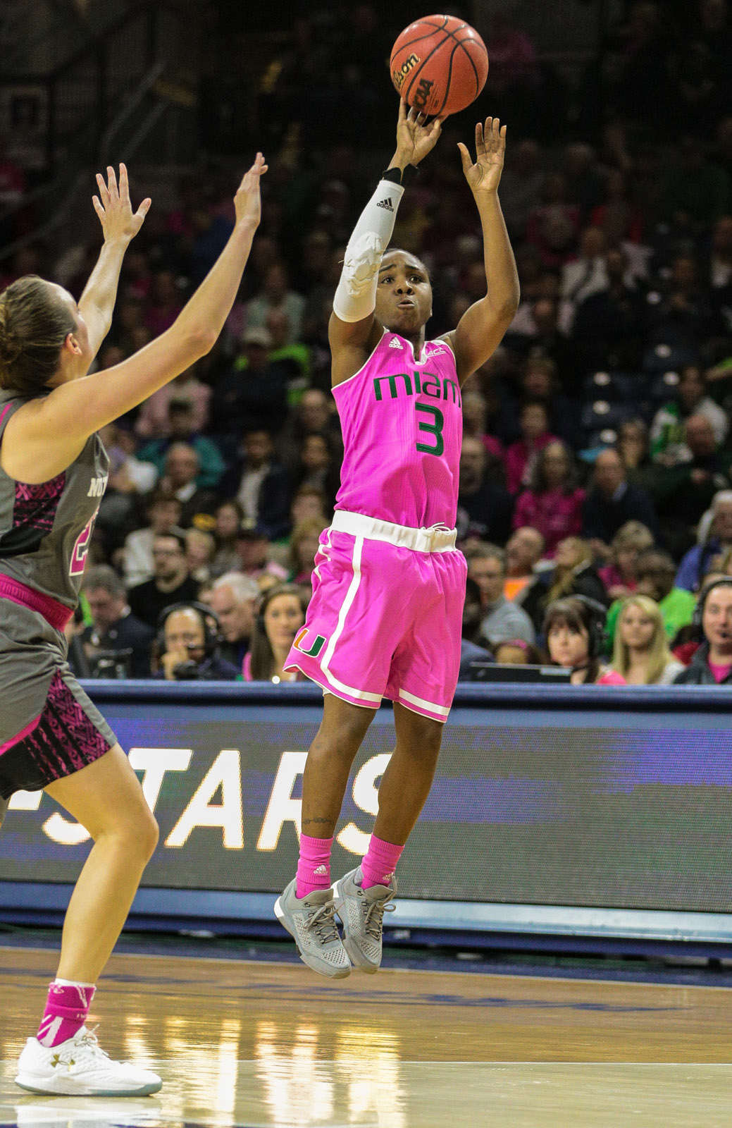 notre dame women Muffet mcgraw has spent most of her college coaching career being the hunter notre dame and its coach will be the hunted this season.