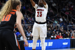 NCAA Women's Basketball Sweet Sixteen - #1 Louisville 61 vs. #4 Oregon St 44 (23)
