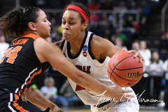 NCAA Women's Basketball Sweet Sixteen - #1 Louisville 61 vs. #4 Oregon St 44 (36)