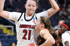 NCAA Women's Basketball Sweet Sixteen - #1 Louisville 61 vs. #4 Oregon St 44 (68)
