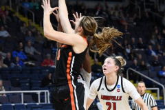 NCAA Women's Basketball Sweet Sixteen - #1 Louisville 61 vs. #4 Oregon St 44 (79)