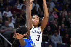 NCAA Women's Basketball Sweet Sixteen - #2 UConn 69 vs. #4 UCLA 61 (107)