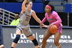 NCAA Women's Basketball - UConn Huskies 102 vs. Memphis Tigers 45 (66)
