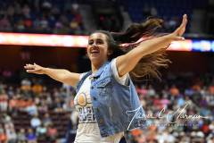 WNBA-Connecticut-Sun-100-vs.-Chicago-Sky-94-17
