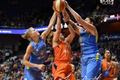 WNBA-Connecticut-Sun-100-vs.-Chicago-Sky-94-98