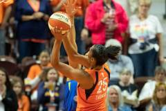 WNBA-Connecticut-Sun-102-vs.-Dallas-Wings-72-10