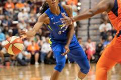 WNBA-Connecticut-Sun-102-vs.-Dallas-Wings-72-19