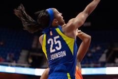 WNBA-Connecticut-Sun-102-vs.-Dallas-Wings-72-30