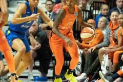 WNBA-Connecticut-Sun-102-vs.-Dallas-Wings-72-34
