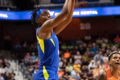 WNBA-Connecticut-Sun-102-vs.-Dallas-Wings-72-41