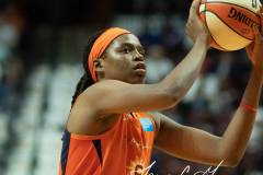 WNBA-Connecticut-Sun-102-vs.-Dallas-Wings-72-57