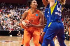 WNBA-Connecticut-Sun-102-vs.-Dallas-Wings-72-69