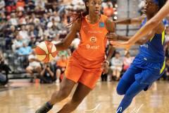 WNBA-Connecticut-Sun-102-vs.-Dallas-Wings-72-73