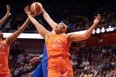 WNBA-Connecticut-Sun-102-vs.-Dallas-Wings-72-84