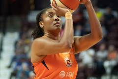 WNBA-Connecticut-Sun-102-vs.-Dallas-Wings-72-90