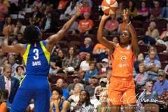 WNBA-Connecticut-Sun-102-vs.-Dallas-Wings-72-94