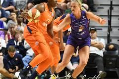 WNBA-Connecticut-Sun-68-vs.-Phoenix-Mercury-62-13