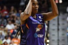 WNBA-Connecticut-Sun-68-vs.-Phoenix-Mercury-62-25