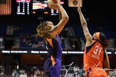 WNBA-Connecticut-Sun-68-vs.-Phoenix-Mercury-62-31