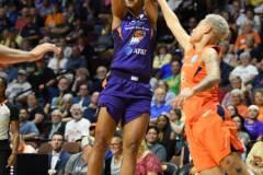 WNBA-Connecticut-Sun-68-vs.-Phoenix-Mercury-62-33