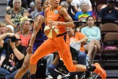 WNBA-Connecticut-Sun-68-vs.-Phoenix-Mercury-62-40