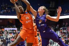WNBA-Connecticut-Sun-68-vs.-Phoenix-Mercury-62-41