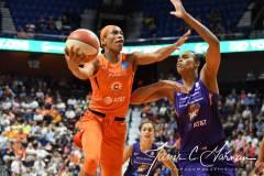 WNBA-Connecticut-Sun-68-vs.-Phoenix-Mercury-62-52