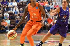 WNBA-Connecticut-Sun-68-vs.-Phoenix-Mercury-62-54