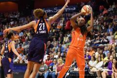 WNBA-Connecticut-Sun-68-vs.-Phoenix-Mercury-62-56
