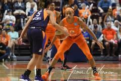 WNBA-Connecticut-Sun-68-vs.-Phoenix-Mercury-62-58