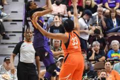 WNBA-Connecticut-Sun-68-vs.-Phoenix-Mercury-62-68