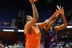 WNBA-Connecticut-Sun-68-vs.-Phoenix-Mercury-62-76