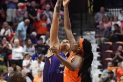 WNBA-Connecticut-Sun-79-vs.-Phoenix-Mecury-64-20