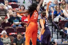 WNBA-Connecticut-Sun-79-vs.-Phoenix-Mecury-64-26