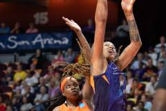 WNBA-Connecticut-Sun-79-vs.-Phoenix-Mecury-64-29