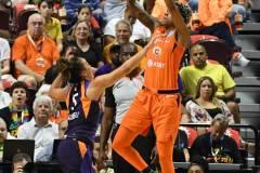 WNBA-Connecticut-Sun-79-vs.-Phoenix-Mecury-64-32