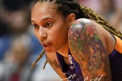 WNBA-Connecticut-Sun-79-vs.-Phoenix-Mecury-64-36