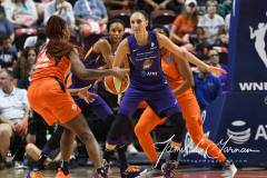 WNBA-Connecticut-Sun-79-vs.-Phoenix-Mecury-64-47