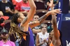 WNBA-Connecticut-Sun-79-vs.-Phoenix-Mecury-64-64