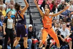 WNBA-Connecticut-Sun-79-vs.-Phoenix-Mecury-64-73
