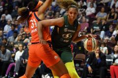 WNBA - Connecticut Sun 81 vs. Seattle Storm 67 (65)