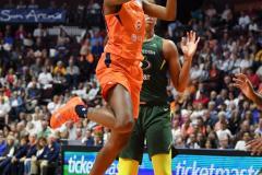 WNBA - Connecticut Sun 81 vs. Seattle Storm 67 (92)
