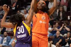 WNBA-Connecticut-Sun-84-vs.-Los-Angeles-Sparks-75-14