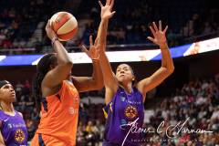 WNBA-Connecticut-Sun-84-vs.-Los-Angeles-Sparks-75-24